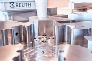Maßgeschneiderte Spritzgusswerkzeuge konstruieren und fertigen wir speziell nach Ihren Vorgaben.